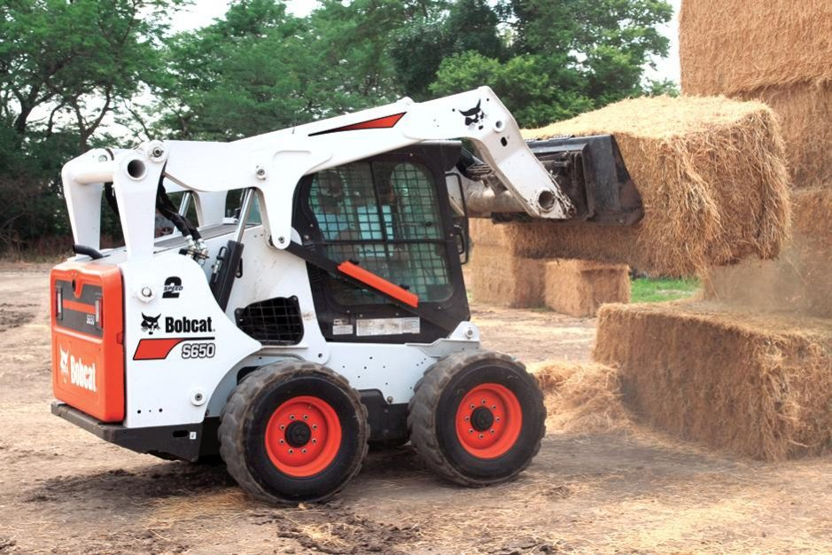 Bobcat S650 Skid-Steer Loader full