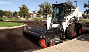 Bobcat S850 Skid-Steer Loader full